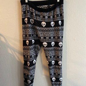 Torrid 2X black white skull leggings Halloween
